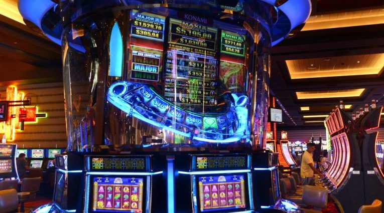 Wheel Of Lot Of Money Three-way Extreme Spin Slot Machine