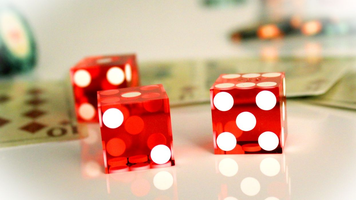 Four Tips From A Online Gambling Professional